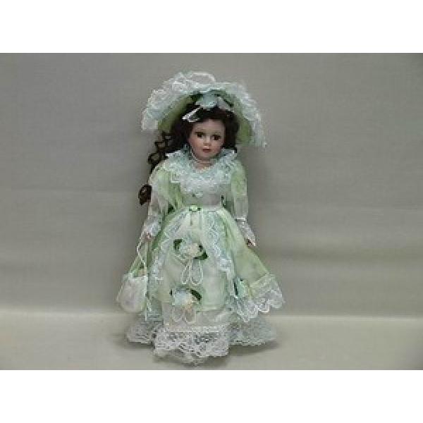 Фарфоровая кукла Trinity