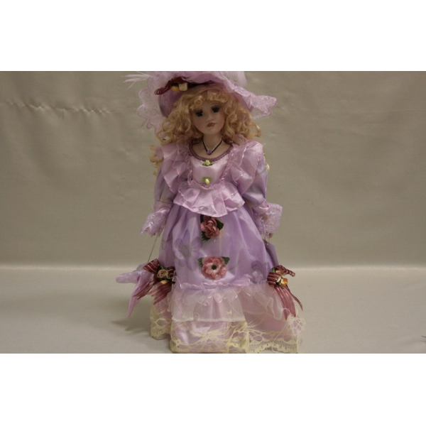 Фарфоровая кукла Zoe