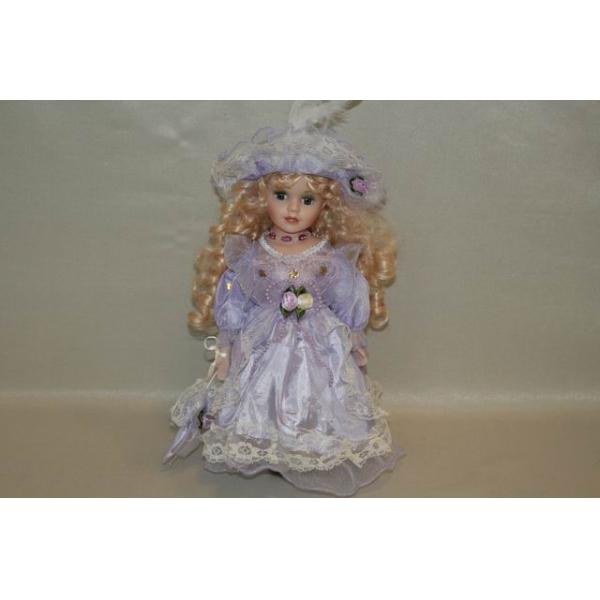 Фарфоровая кукла Amelia