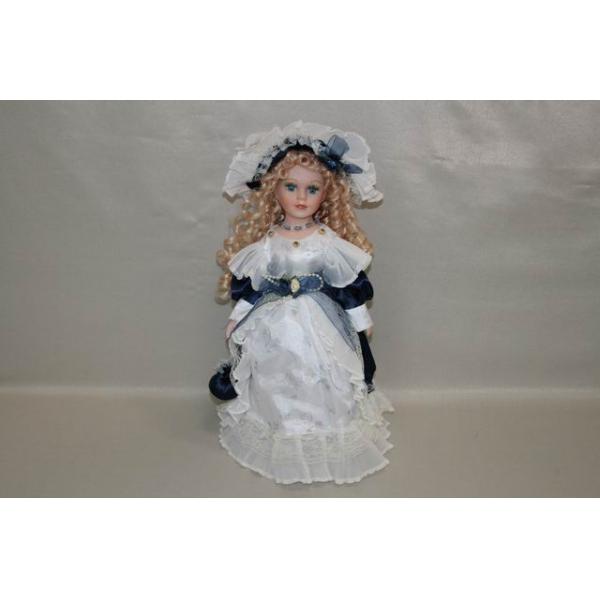 Фарфоровая кукла Sophie