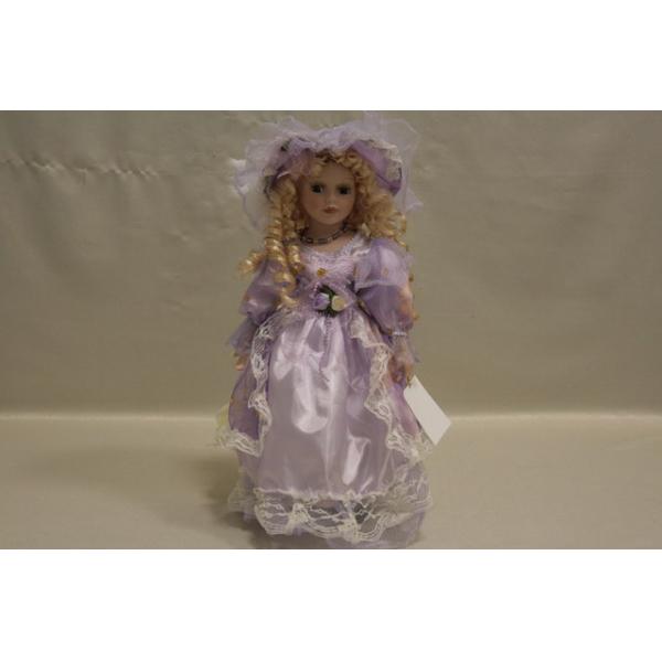 Фарфоровая кукла Madeline
