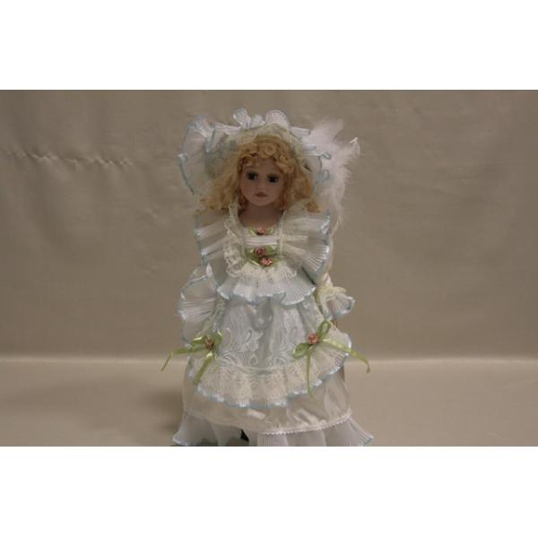 Фарфоровая кукла Faith