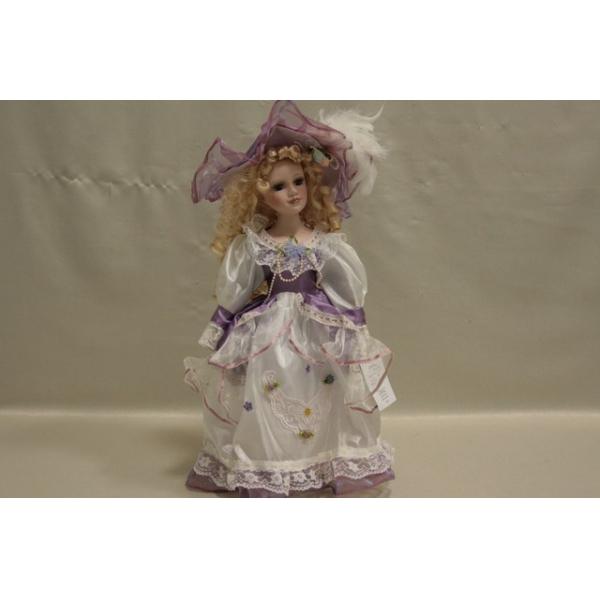 Фарфоровая кукла Alexandra